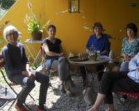 bild-besprechung-auf-der-atelier-terrasse-2011web