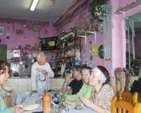 einkehr-in-die-bar-maria-mit-landwein-ziegenkse-u-palmhonig