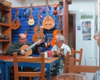 gitarrenmusik-in-der-el-pejin